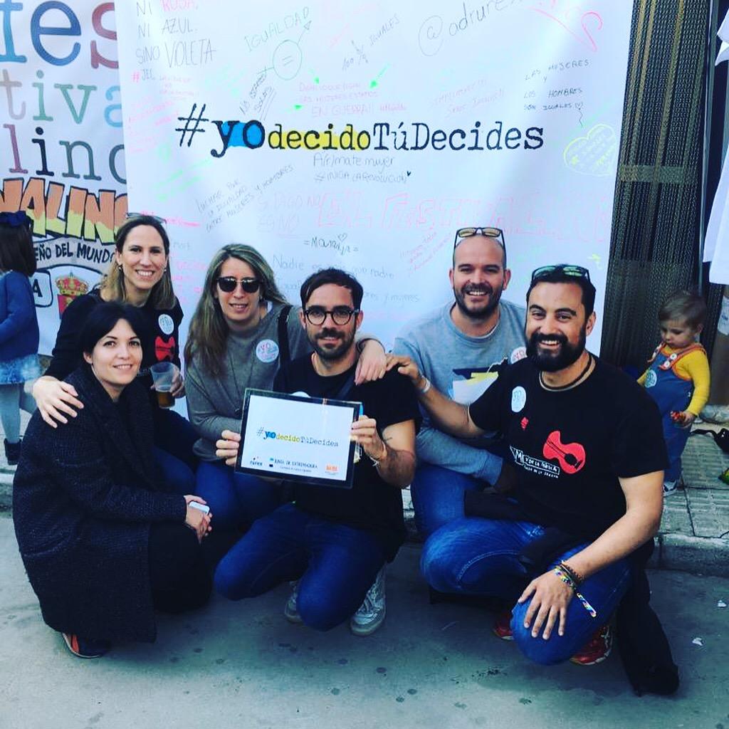 Foto de grupo de gente en Yo Decido Tú Decides