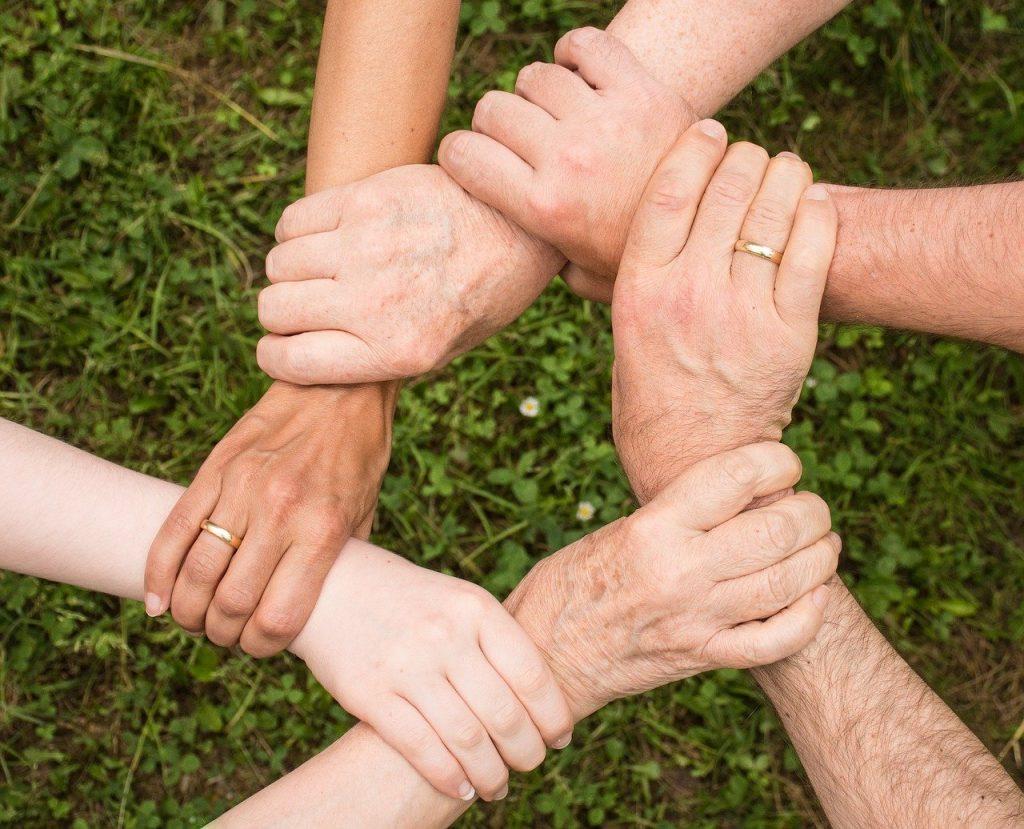 team spirit, teamwork, community-2447163.jpg